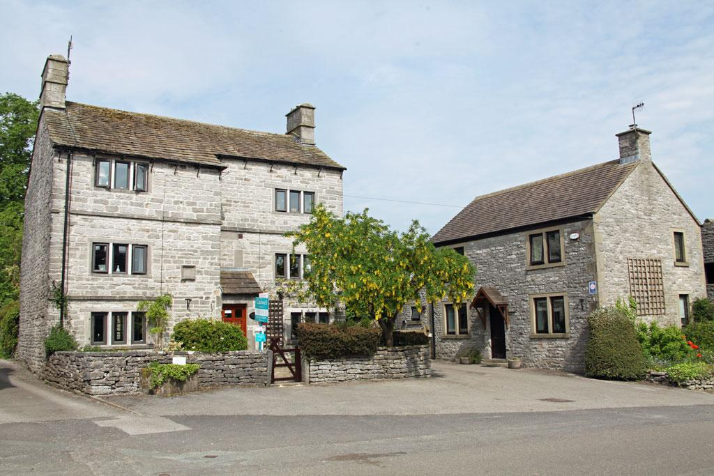 10 Bedrooms Detached House for sale in Sheldon House, Barn and Cottage, Chapel Street, Monyash, Derbyshire, DE45