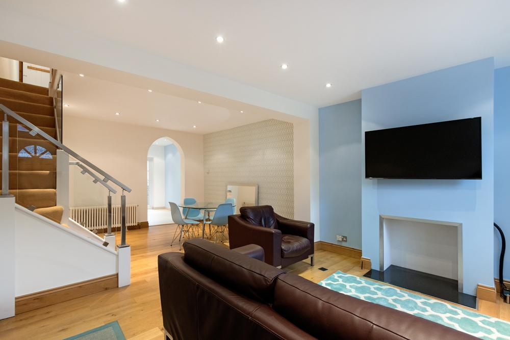 3 Bedrooms House for sale in Merton Road, Southfields, SW18
