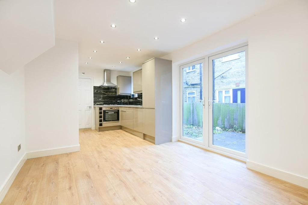 2 Bedrooms Flat for sale in Burlington Road, Thornton Heath