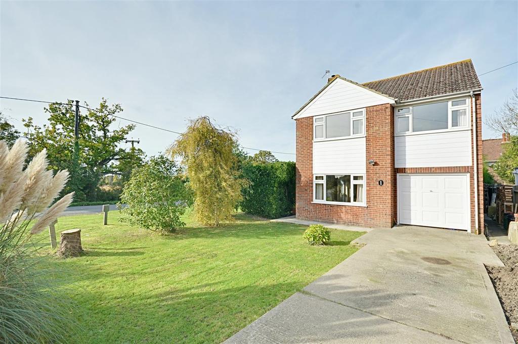 3 Bedrooms Detached House for sale in Coombelands, Wittersham