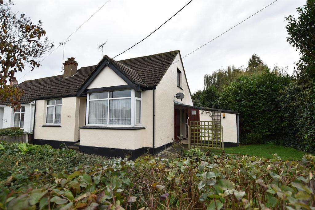 3 Bedrooms Semi Detached Bungalow for sale in Queens Road, Rayleigh
