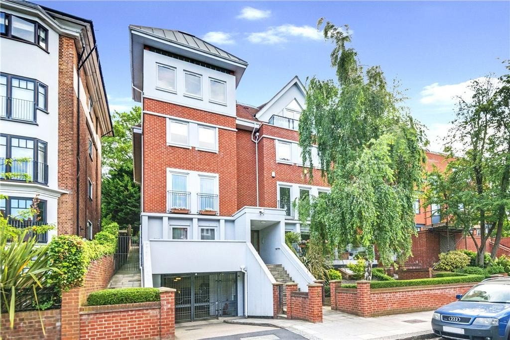 2 Bedrooms Flat for sale in Lindfield Gardens, London, NW3
