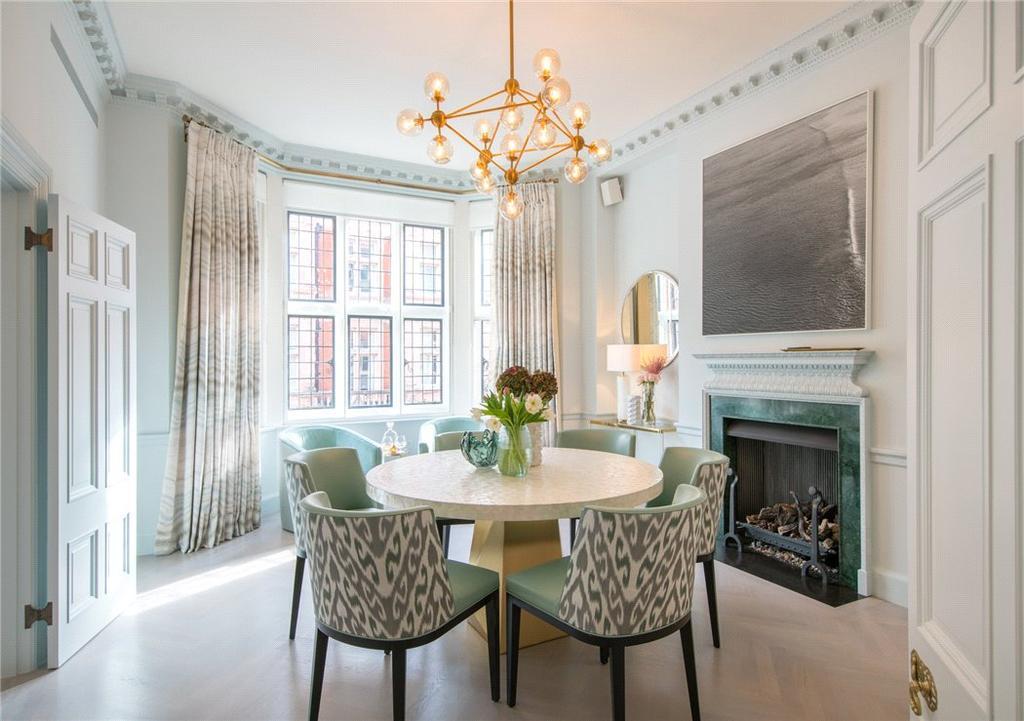 3 Bedrooms Flat for sale in Mount Street, London, W1K