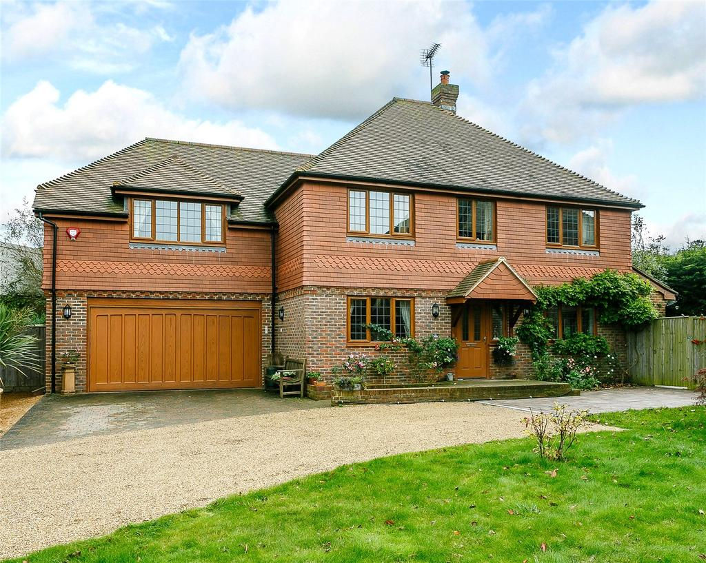4 Bedrooms Detached House for sale in The Nook, Sayers Common, Hassocks, West Sussex