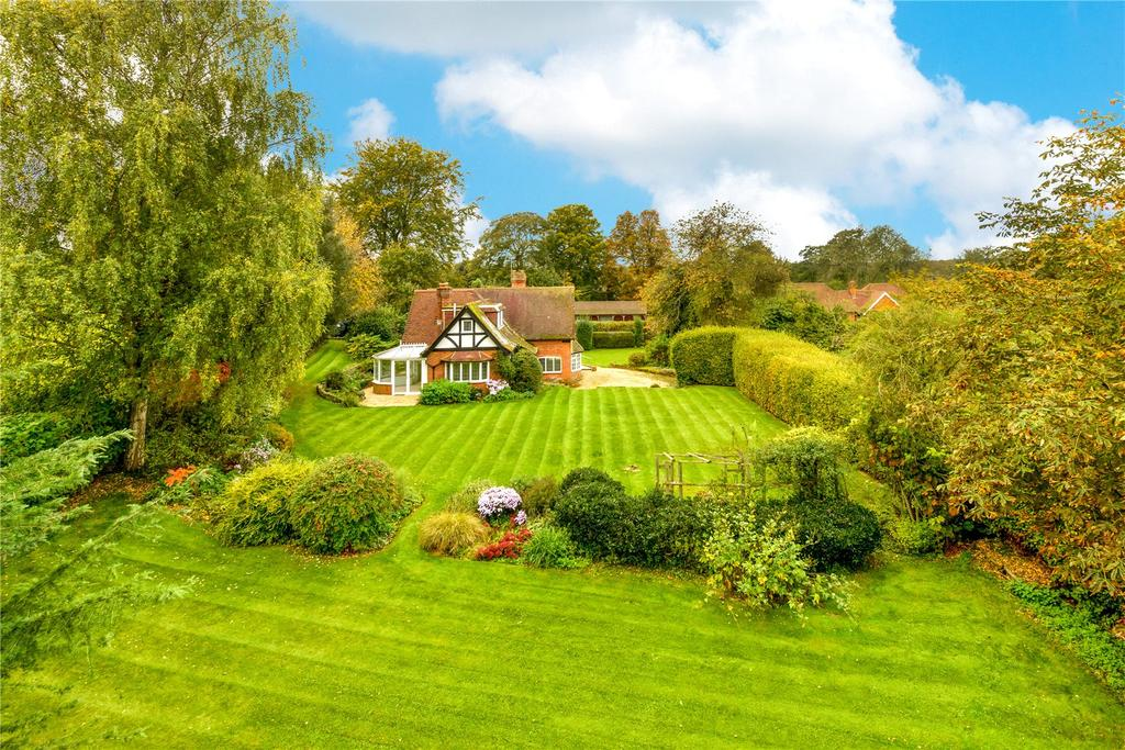 4 Bedrooms Detached House for sale in Bransbury, Barton Stacey, Winchester, Hampshire