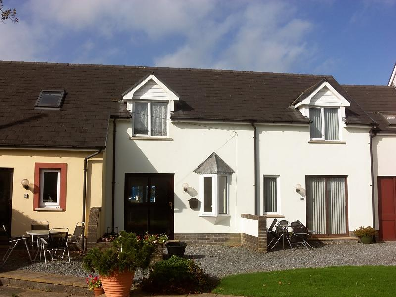 1 Bedroom Terraced House for sale in Innisfree Cottages, Llansteffan, Carmarthen, Carmarthenshire.