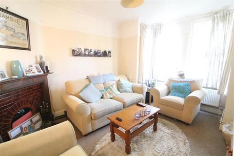 3 bedroom detached house to rent - Earlham Road, Golden Triangle
