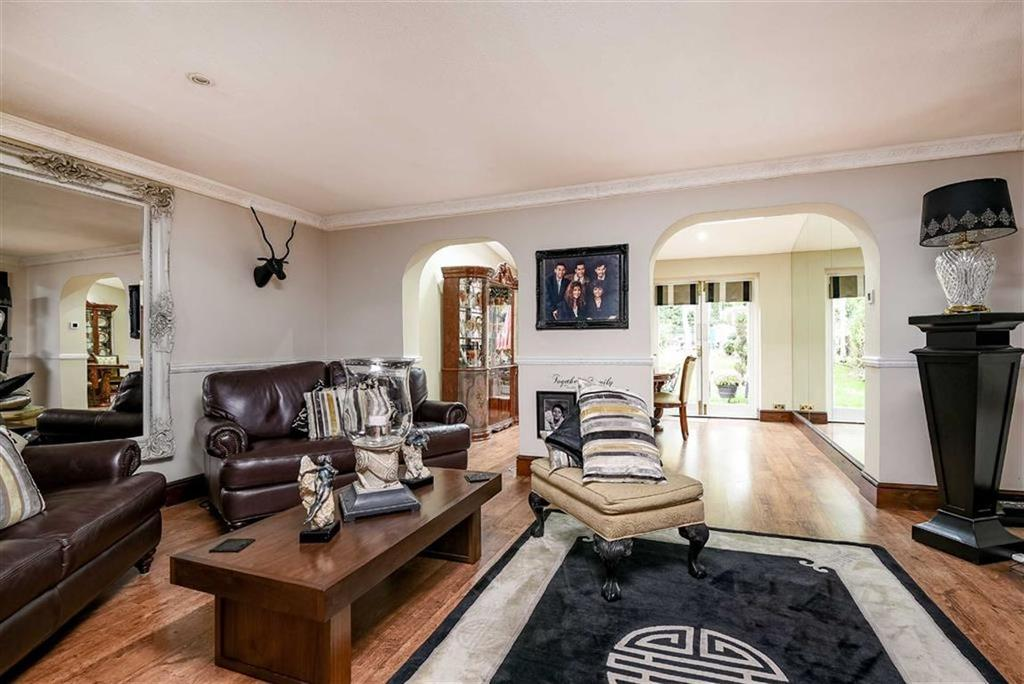 5 Bedrooms Terraced House for sale in Rusheymead, Ladywell, London