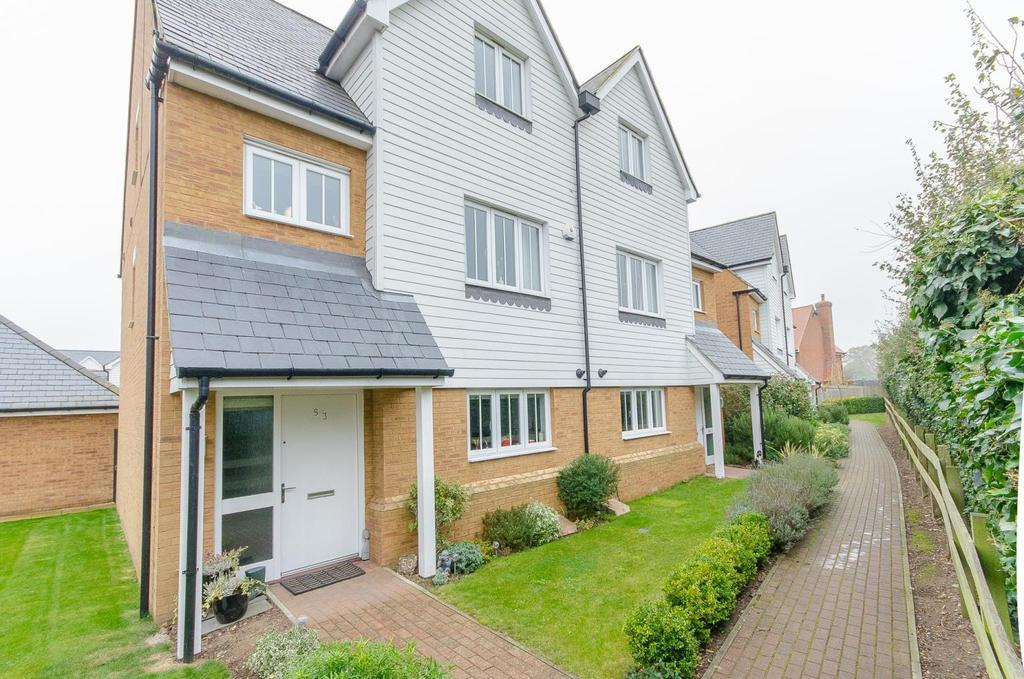 4 Bedrooms Semi Detached House for sale in Leonard Gould Way, Maidstone, Kent
