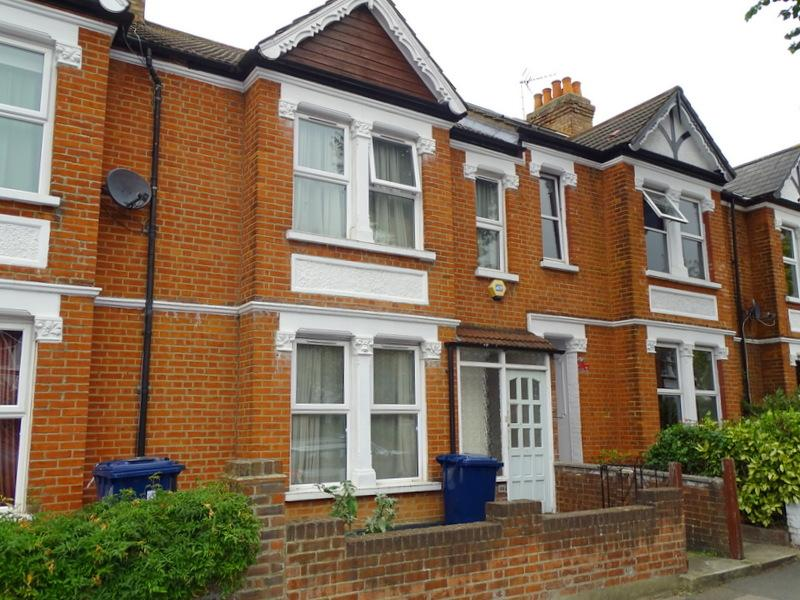 3 Bedrooms House for sale in Chandos Avenue, Ealing