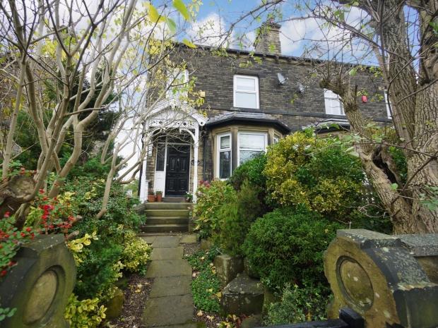 4 Bedrooms Semi Detached House for sale in Green Lane Wyke Bradford