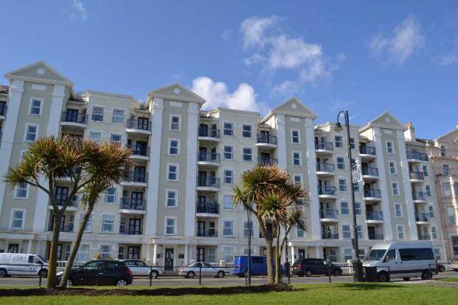 2 Bedrooms Apartment Flat for sale in Millennium Court, Queens Promenade, Douglas, IM2 4NN