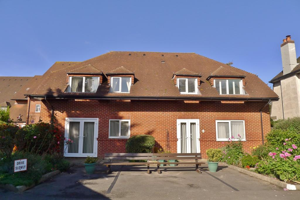 1 Bedroom Retirement Property for sale in CEDAR COURT, FAREHAM