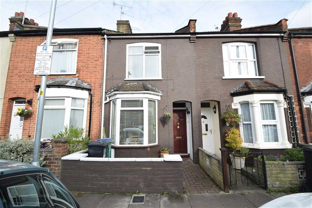 3 Bedrooms Terraced House for sale in Roberts Road, Watford, Herts