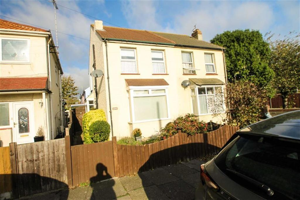3 Bedrooms Semi Detached House for sale in Berkeley Road, Clacton-On-Sea