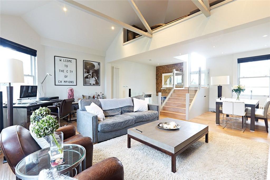 2 Bedrooms Maisonette Flat for sale in Battersea High Street, London, SW11