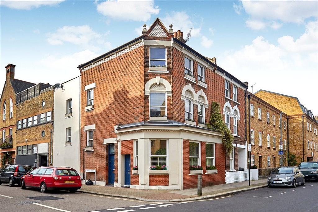 3 Bedrooms Maisonette Flat for sale in Battersea High Street, London, SW11