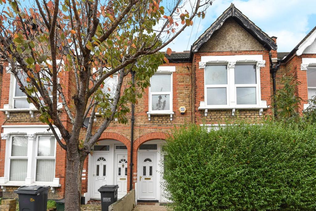 2 Bedrooms Flat for sale in Balfour Road, South Norwood