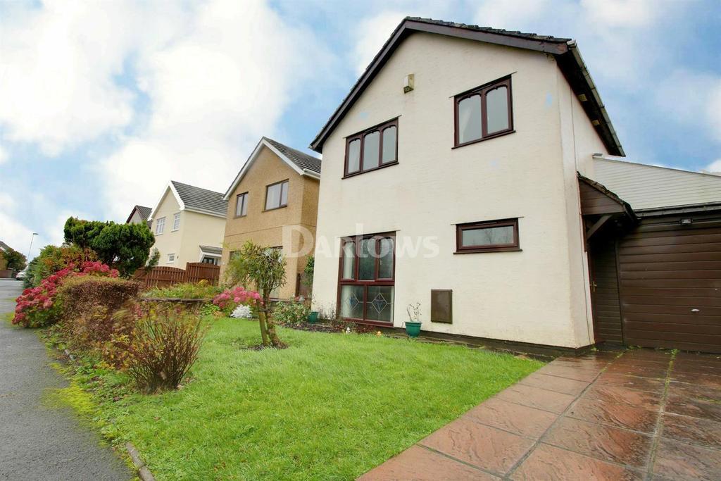 4 Bedrooms Detached House for sale in Highlands Road, Beaufort, Ebbw Vale, Blaenau Gwent