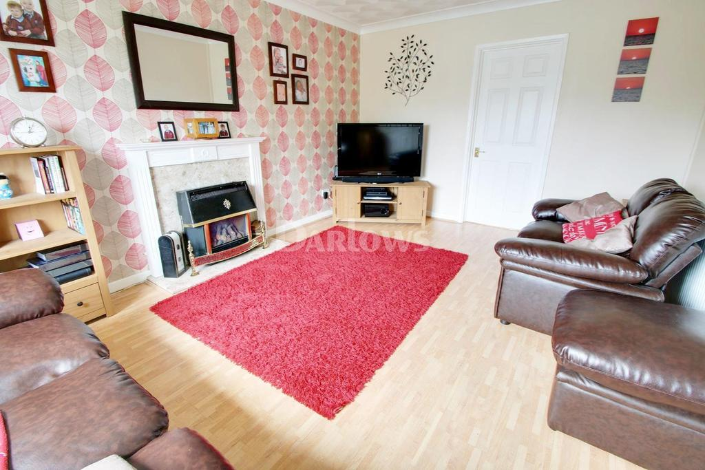 4 Bedrooms Detached House for sale in Highlands Road, Beaufort, Ebbw Vale, Blaenau Gwent