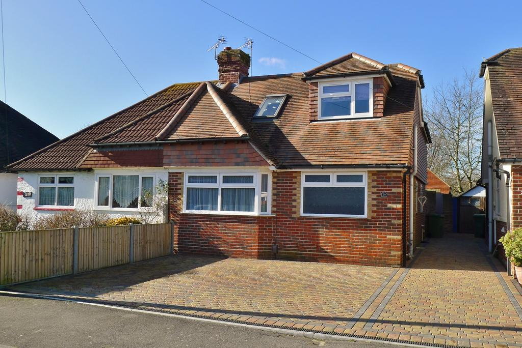 4 Bedrooms Semi Detached Bungalow for sale in PORTCHESTER