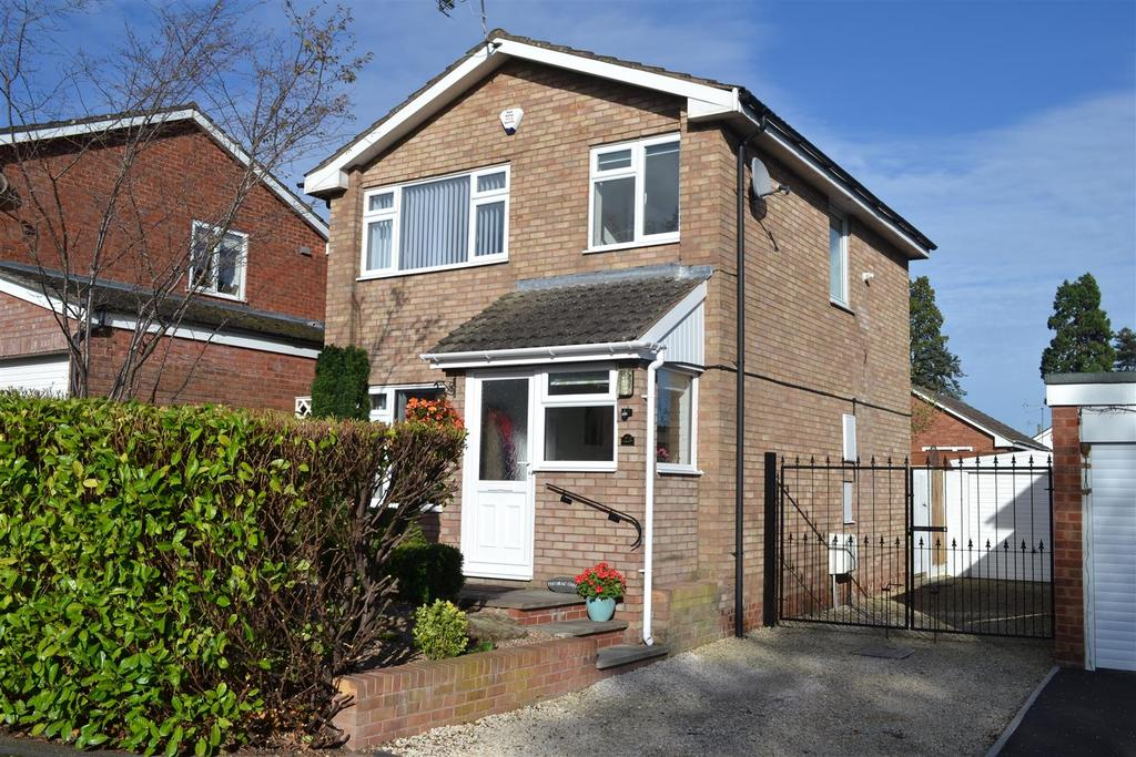 3 Bedrooms Detached House for sale in Buckfield Road, Leominster