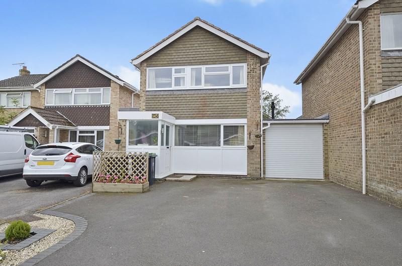 3 Bedrooms Link Detached House for sale in Uplands Road, West Moors, Ferndown