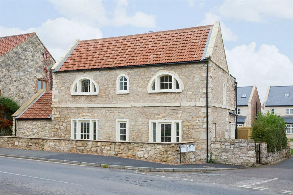 4 Bedrooms Detached House for sale in Main Street, Towton, Tadcaster, North Yorkshire