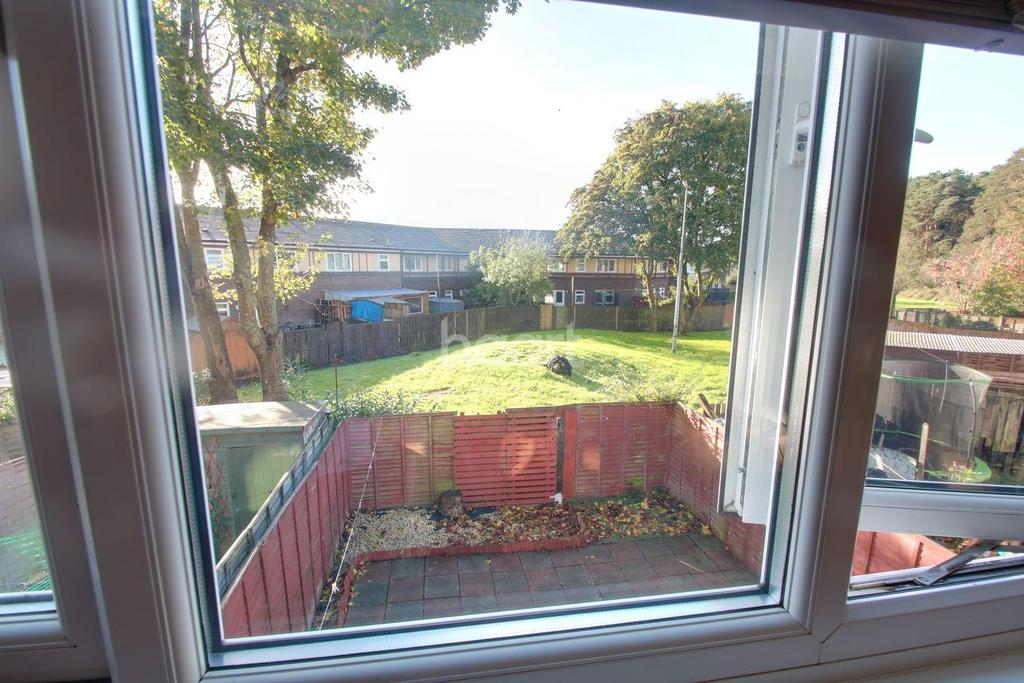 3 Bedrooms Terraced House for sale in Chaffinch Way, Duffryn, Newport