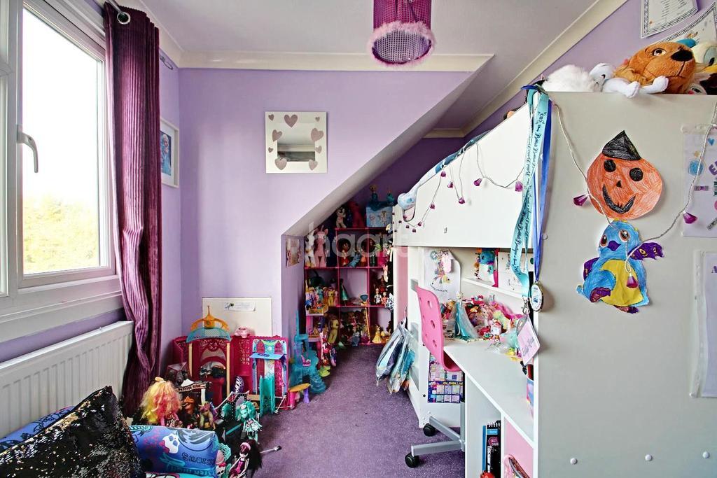 2 Bedrooms Semi Detached House for sale in Ashingdon Road, Ashingdon