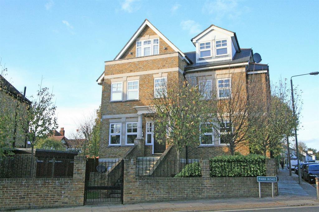 2 Bedrooms Flat for sale in Park Road, Bromley, Kent