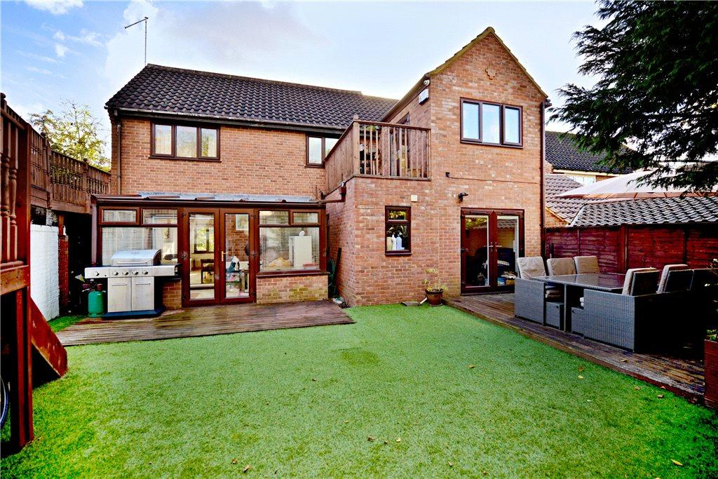 4 Bedrooms Detached House for sale in Penn Gardens, East Hunsbury, Northamptonshire