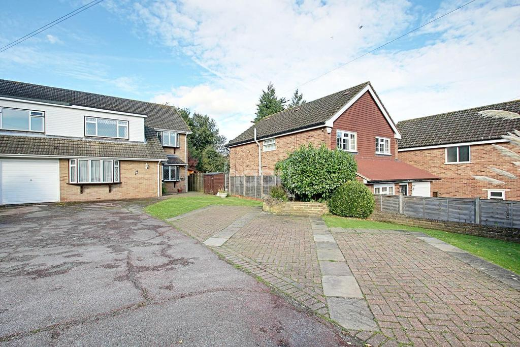 5 Bedrooms Semi Detached House for sale in Norheads Lane, Biggin Hill