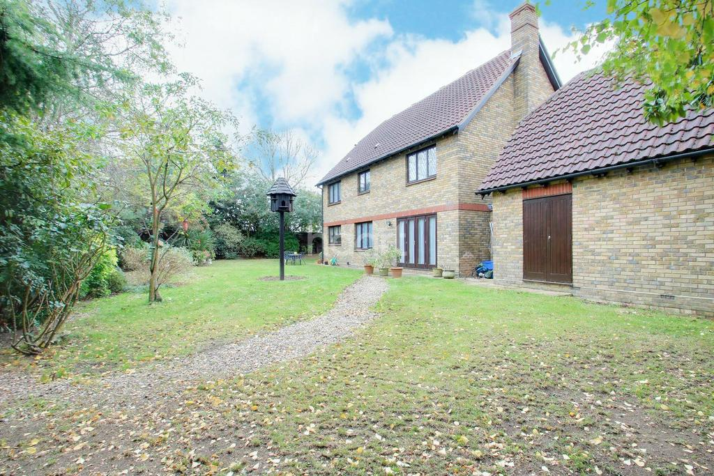 4 Bedrooms Detached House for sale in The Paddocks, Stapleford Abbotts