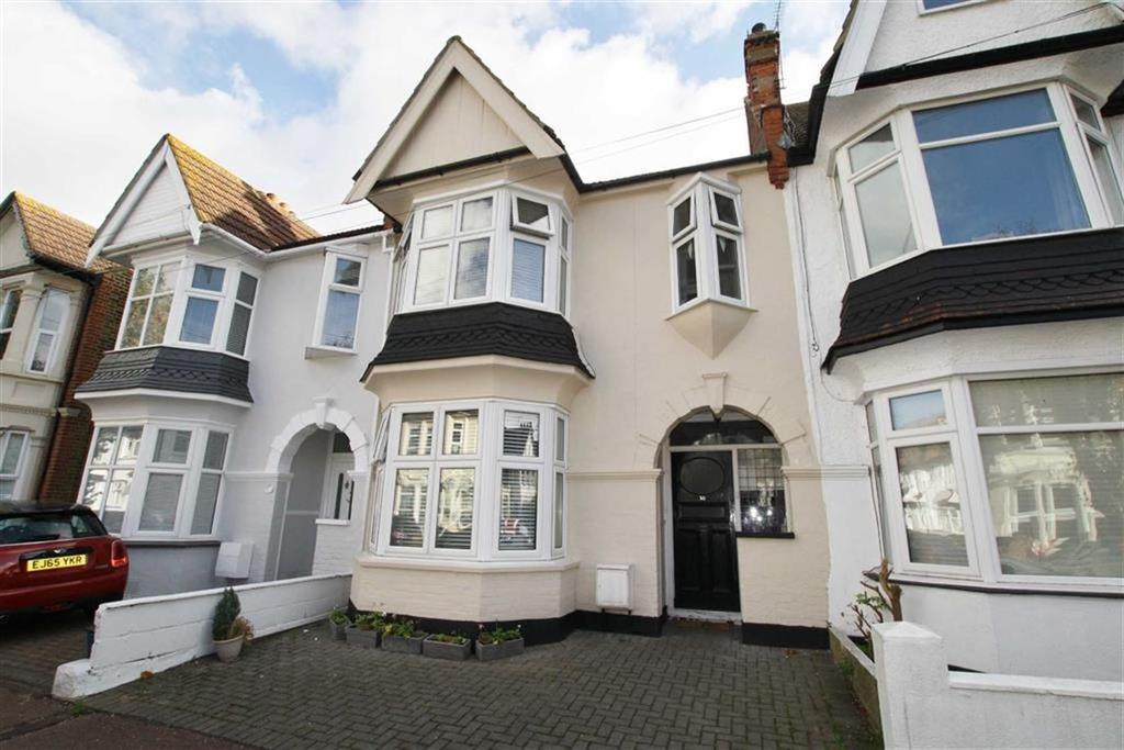 3 Bedrooms Terraced House for sale in Leighton Avenue, Leigh-on-sea, Essex