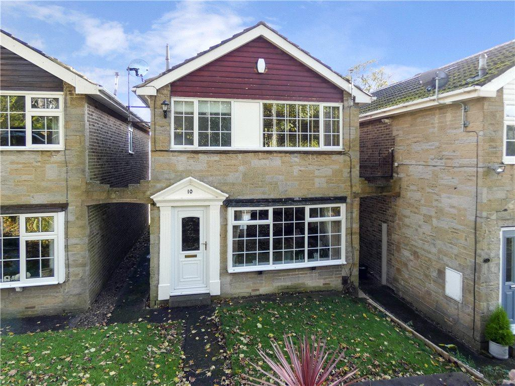 4 Bedrooms Detached House for sale in Kirk Drive, Baildon, West Yorkshire