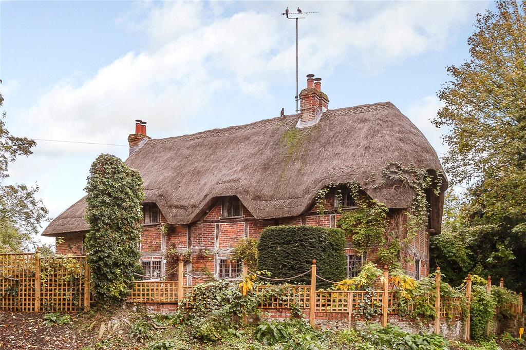 3 Bedrooms Detached House for sale in Rivar Road, Shalbourne, Marlborough, Wiltshire