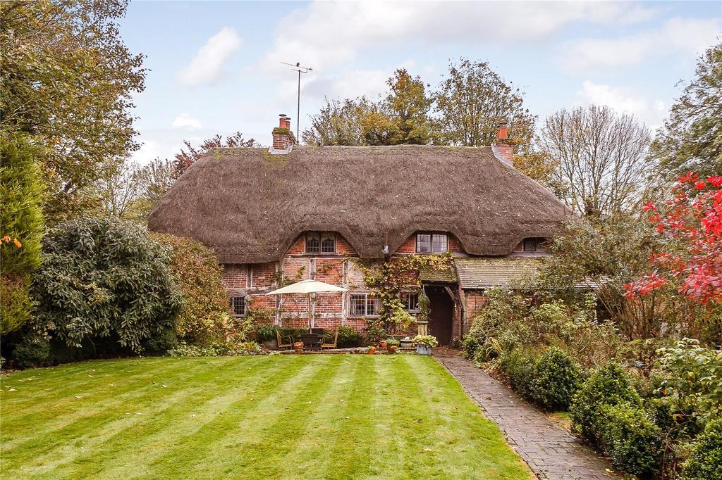 3 Bedrooms Detached House for sale in Rivar Road, Shalbourne, Marlborough, Wiltshire