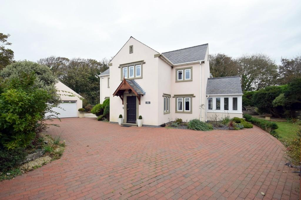 4 Bedrooms Detached House for sale in Morfa Newydd, 88 South Road, Porthcawl, Bridgend County Borough, CF36 3DA.