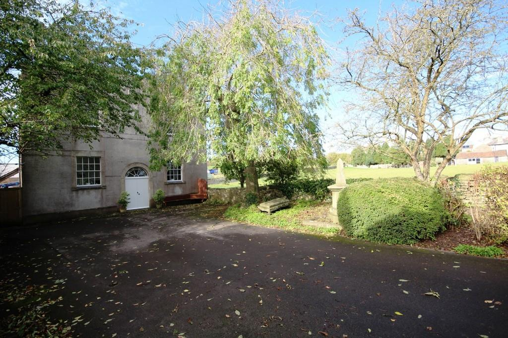 3 Bedrooms Detached House for sale in In Clutton with great access to Bristol and Bath.