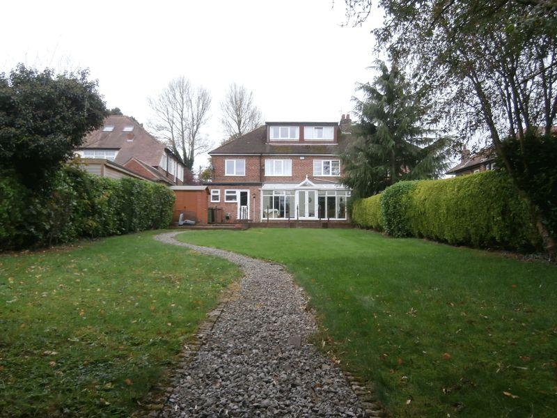 6 Bedrooms Semi Detached House for sale in Beverley Road, Kirk Ella