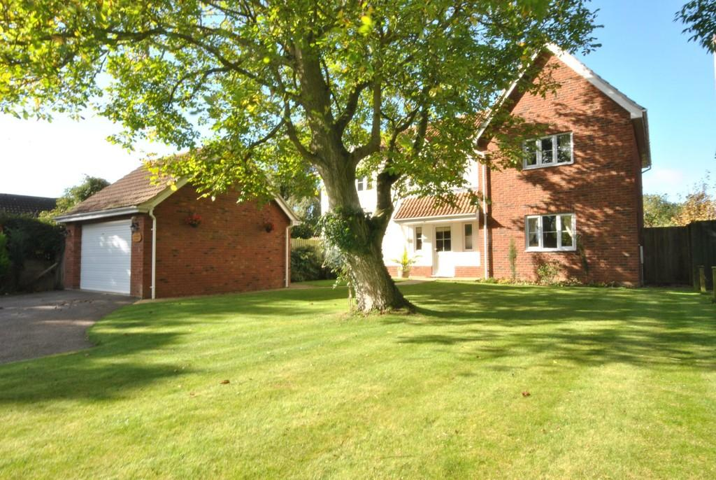 4 Bedrooms Detached House for sale in Gislingham, Suffolk
