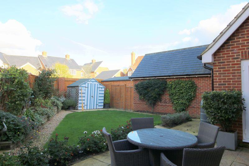 4 Bedrooms Detached House for sale in Limestone Way, Maresfield, East Sussex