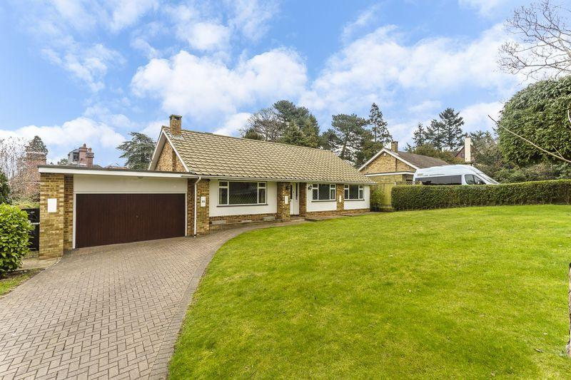 3 Bedrooms Detached Bungalow for sale in Park Road, Kenley