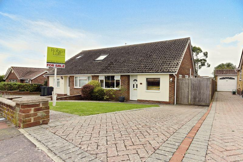 3 Bedrooms Bungalow for sale in Cleveland Road, Worthing