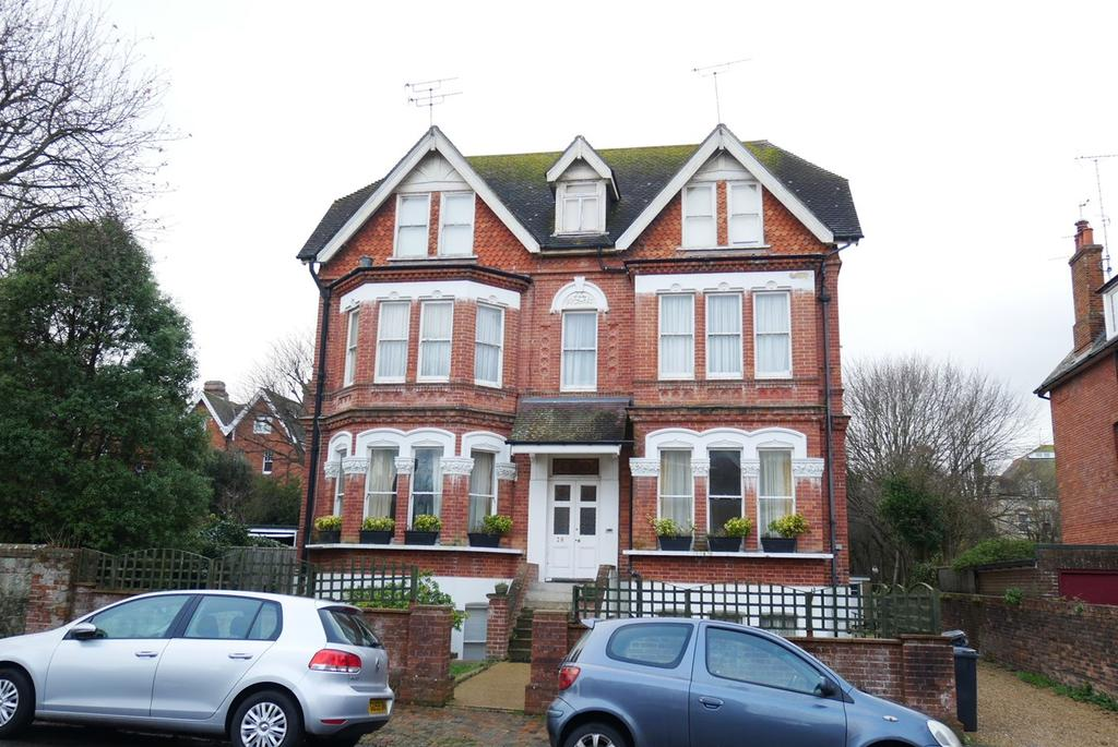 3 Bedrooms Apartment Flat for sale in Grassington Road, Eastbourne, BN20