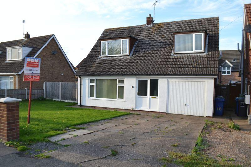 3 Bedrooms Detached Bungalow for sale in St Peters Road, Scotter