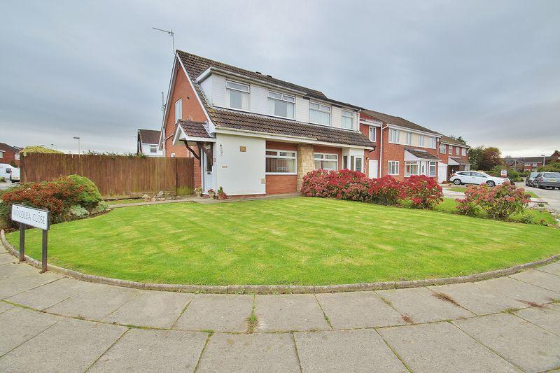 3 Bedrooms Semi Detached House for sale in Baytree Close, Crossens