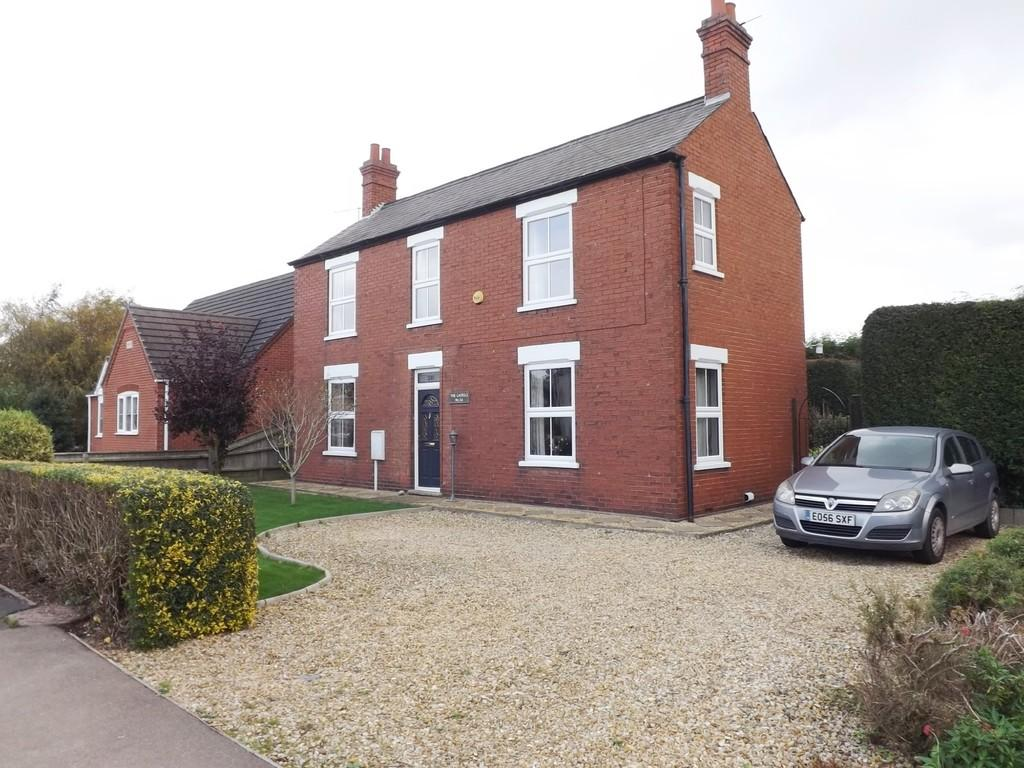 4 Bedrooms Detached House for sale in Lutton