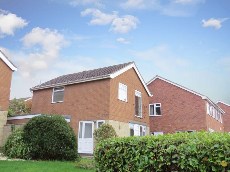 3 Bedrooms Detached House for sale in Sandygate Avenue, The Farthings, Shrewsbury, SY2 6TF